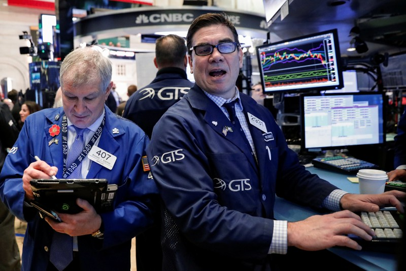 Wall Street Climbs On Gains In Energy Stocks