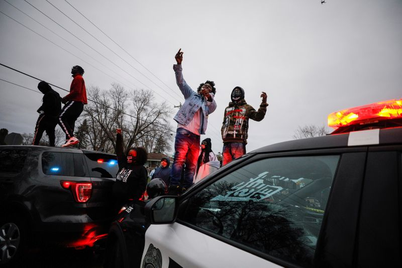 Protests Erupt After Police Shoot Black Man in Minneapolis Traffic Stop